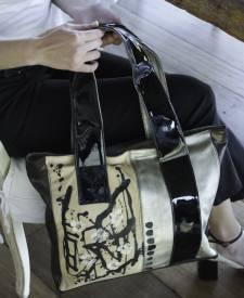 Chenia Handbag With Art