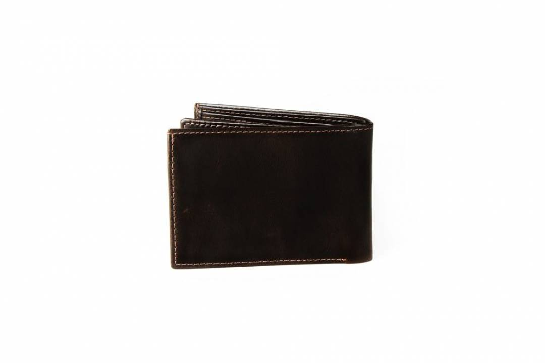 Men´s leather wallet in brown.