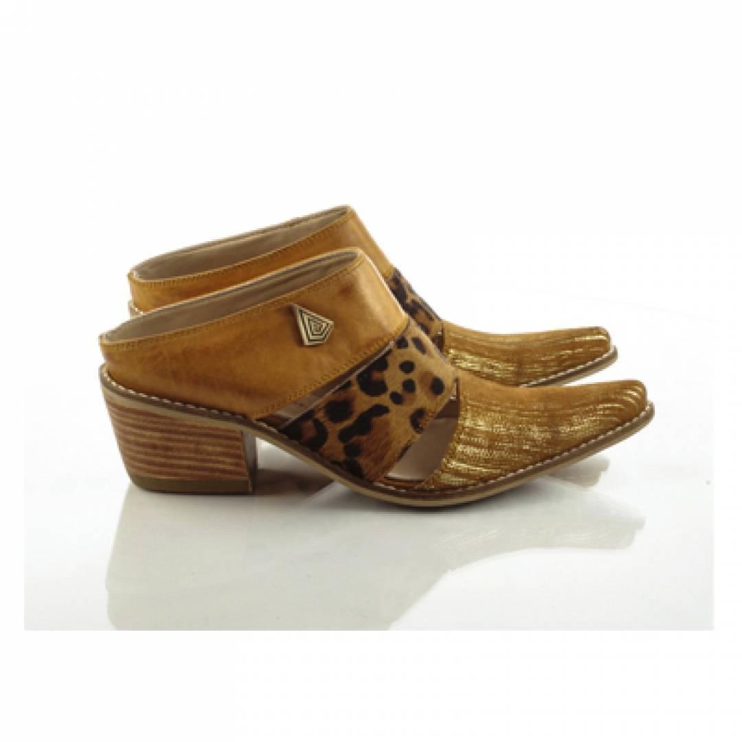 calfskin leather clog